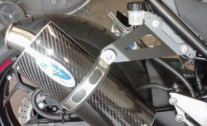 Kawasaki Ninja 300 exhaust - solo bracket for Area P mufflers
